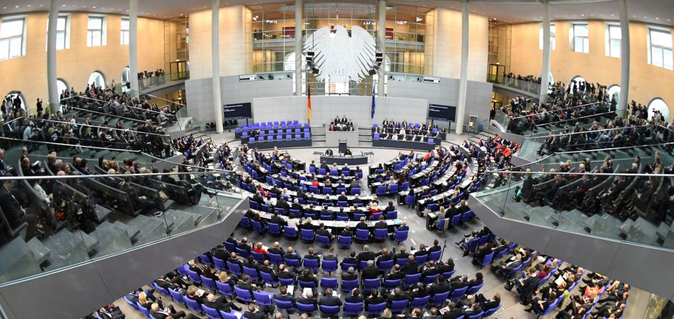 Want to gain experience in the German Parliament? Then this scholarship program is for you!