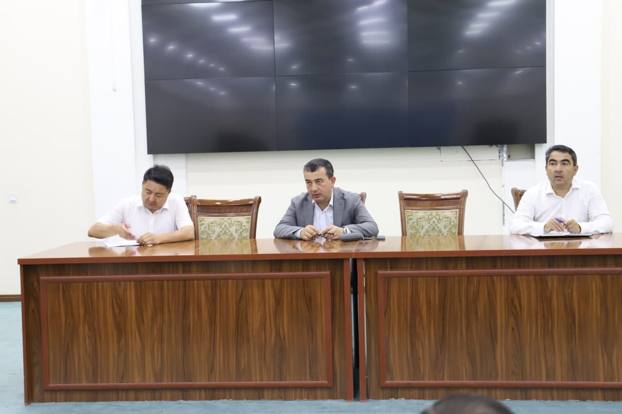 Deputy Minister of Higher and Secondary Special Education SM Buzrukhonov visited Urgench State University and held a reception with the participation of physical and juridical persons of Khorezm region