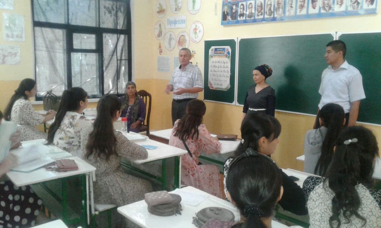Meaningful spending of youth time during the holidays in Qiyot mahalla of Khiva
