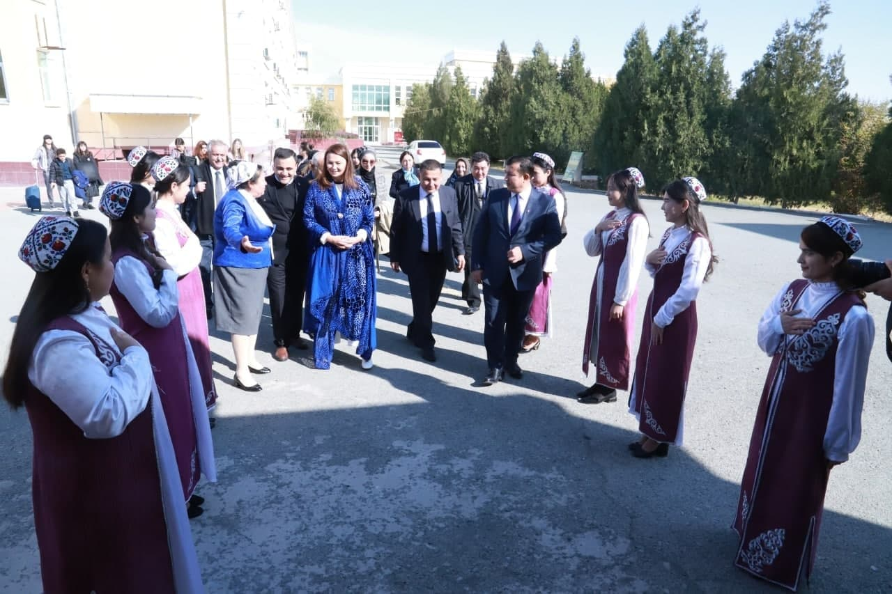 Members of the Azerbaijani delegation visited Urgench State University in the framework of the project
